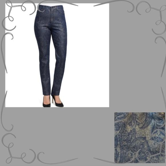 48aa7f46c53c52 Gloria Vanderbilt Jeans | Amanda Embroidered | Poshmark